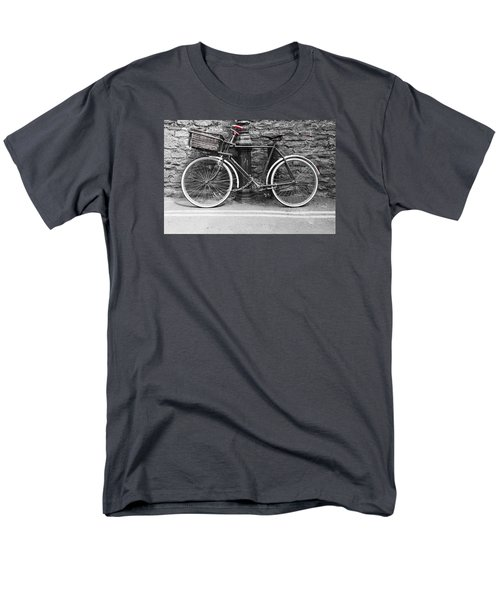 Old Bicycle Men's T-Shirt  (Regular Fit) by Helen Northcott