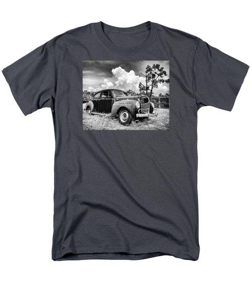 Men's T-Shirt  (Regular Fit) featuring the photograph Pirate Dodge by Alan Raasch