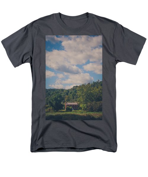 Men's T-Shirt  (Regular Fit) featuring the photograph Plantation House by Shane Holsclaw