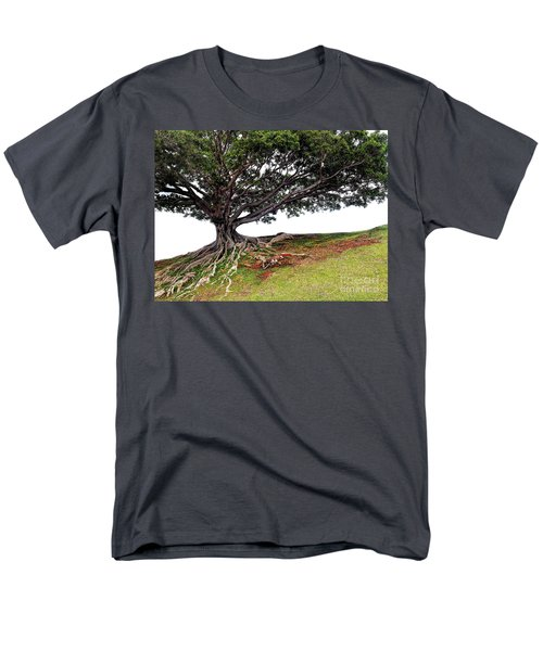 Men's T-Shirt  (Regular Fit) featuring the photograph Roots Of Honolulu by Gina Savage