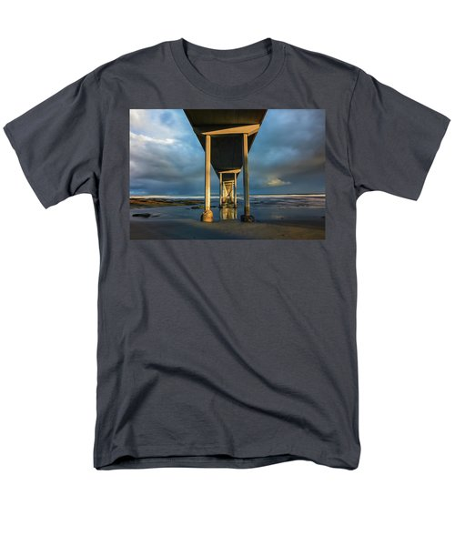 Shadow And Light Men's T-Shirt  (Regular Fit)