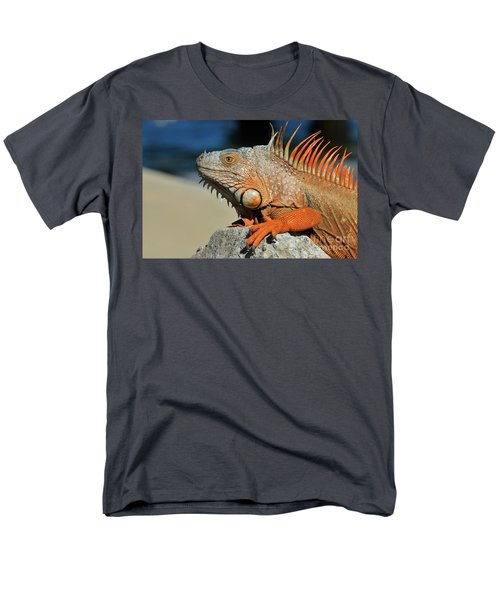 Men's T-Shirt  (Regular Fit) featuring the photograph Showing My Spikes by Pamela Blizzard