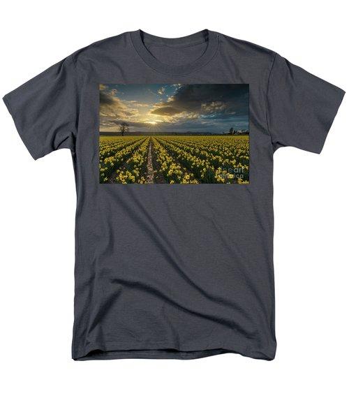 Men's T-Shirt  (Regular Fit) featuring the photograph Skagit Daffodils Golden Sunstar Evening by Mike Reid