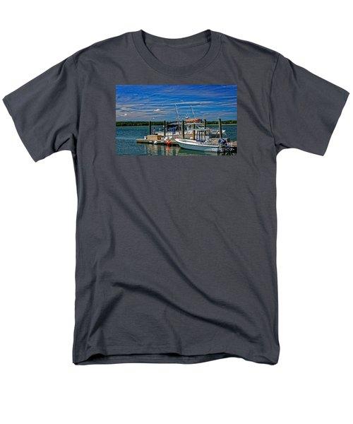 Sorting The Catch Men's T-Shirt  (Regular Fit) by Paul Mashburn