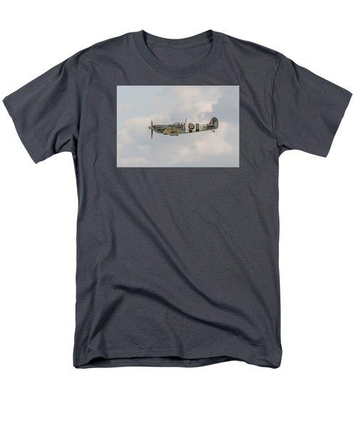 Spitfire Mk Vb Men's T-Shirt  (Regular Fit) by Gary Eason