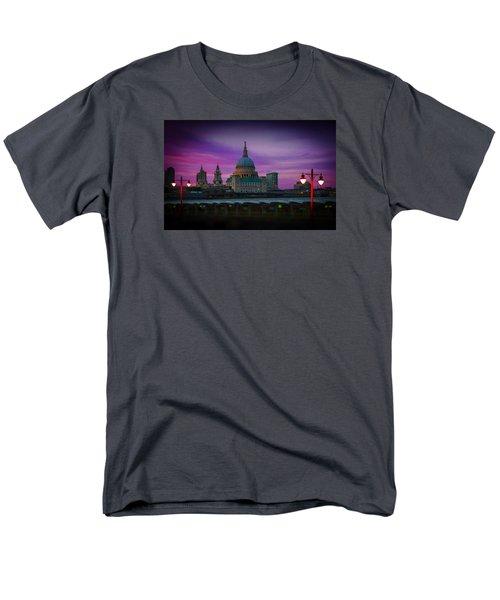 St Pauls Dusk Men's T-Shirt  (Regular Fit)