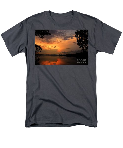 Men's T-Shirt  (Regular Fit) featuring the photograph Sunset On Thomas Lake by Larry Ricker