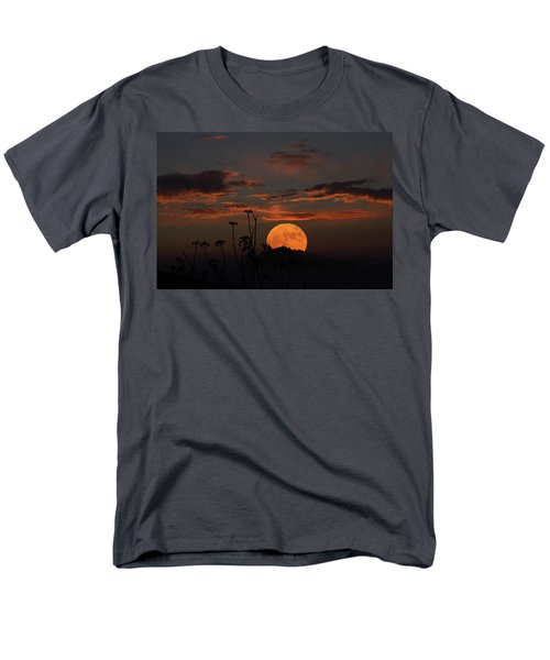 Super Moon And Silhouettes Men's T-Shirt  (Regular Fit) by John Haldane