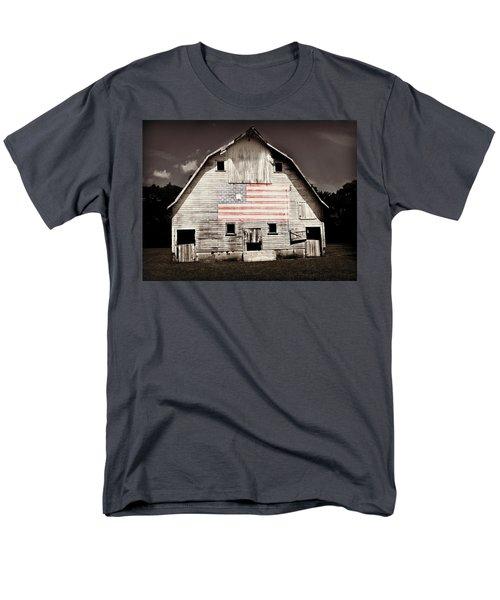 The American Farm Men's T-Shirt  (Regular Fit)