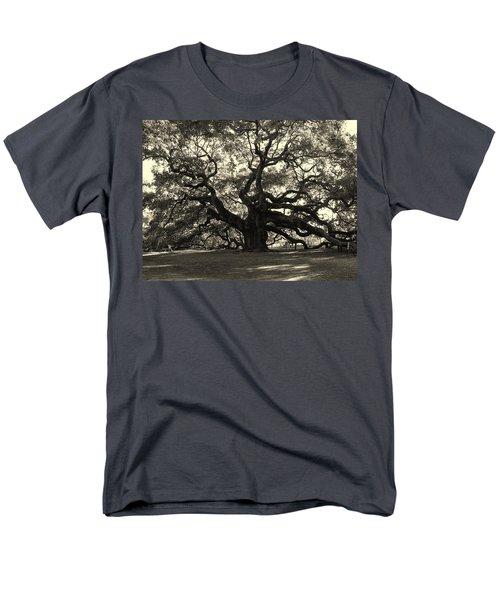The Angel Oak Men's T-Shirt  (Regular Fit) by Susanne Van Hulst