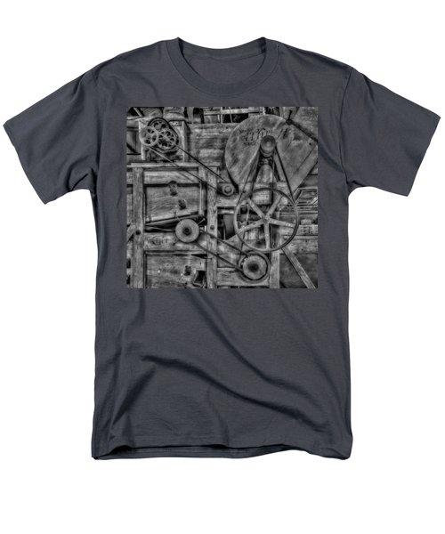 The Clipper Men's T-Shirt  (Regular Fit)