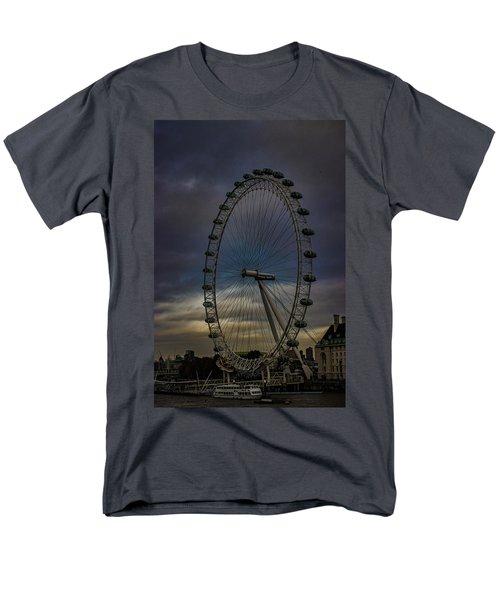 The London Eye Men's T-Shirt  (Regular Fit) by Martin Newman