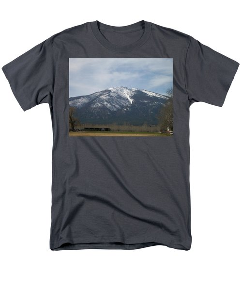 Men's T-Shirt  (Regular Fit) featuring the photograph The Longshed by Jewel Hengen