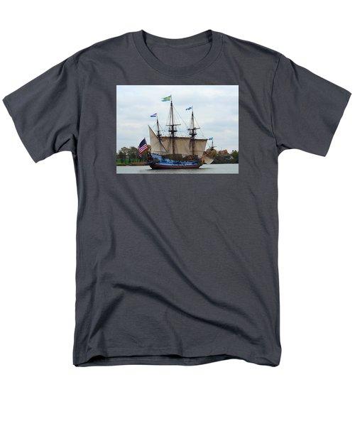 The Tall Ship Kalmar Nyckel Men's T-Shirt  (Regular Fit) by Richard Ortolano