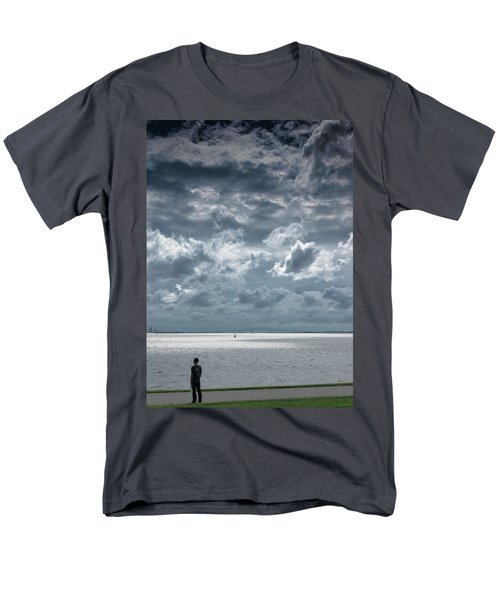 The Threatening Storm Men's T-Shirt  (Regular Fit)