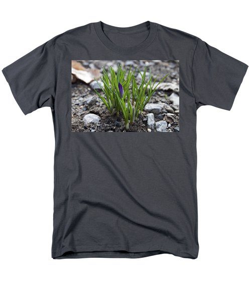 Men's T-Shirt  (Regular Fit) featuring the photograph The Wait by Jeff Severson