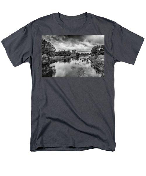 Trim Castle And The River Boyne Men's T-Shirt  (Regular Fit) by Martina Fagan