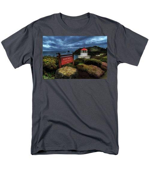Trinidad Memorial Lighthouse Men's T-Shirt  (Regular Fit) by James Eddy