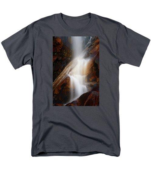 Under The Vaille Men's T-Shirt  (Regular Fit)