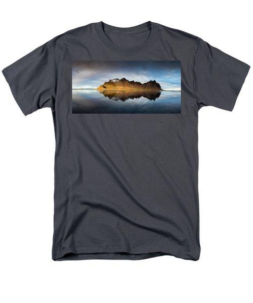 Vestrahorn Panao Men's T-Shirt  (Regular Fit) by Allen Biedrzycki