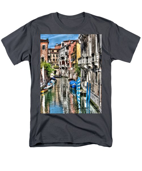 Men's T-Shirt  (Regular Fit) featuring the photograph Viale Di Venezia by Tom Cameron
