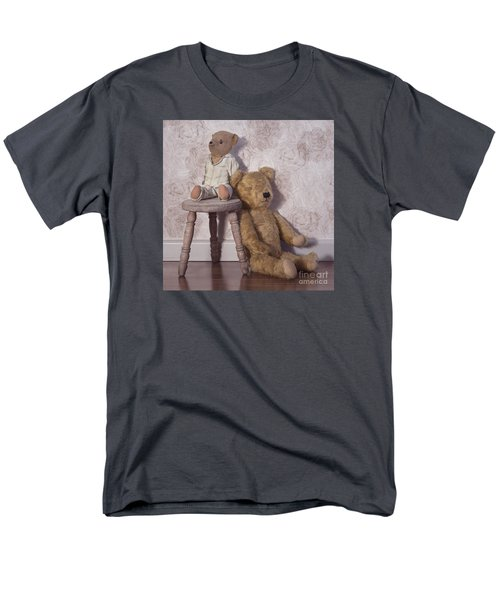 Men's T-Shirt  (Regular Fit) featuring the photograph Well Loved by Linda Lees
