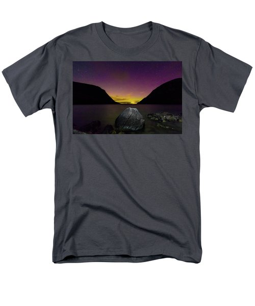 Willoughby Aurora And Boulder Men's T-Shirt  (Regular Fit) by Tim Kirchoff