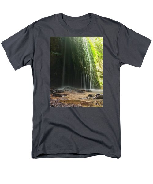 Wisconsin Waterfall Men's T-Shirt  (Regular Fit)