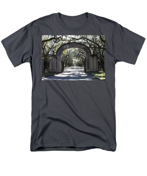 Wormsloe Plantation Gate Men's T-Shirt  (Regular Fit)