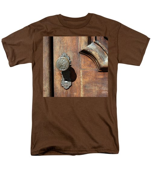 The Old Victorian Chic Men's T-Shirt  (Regular Fit) by Yvonne Wright