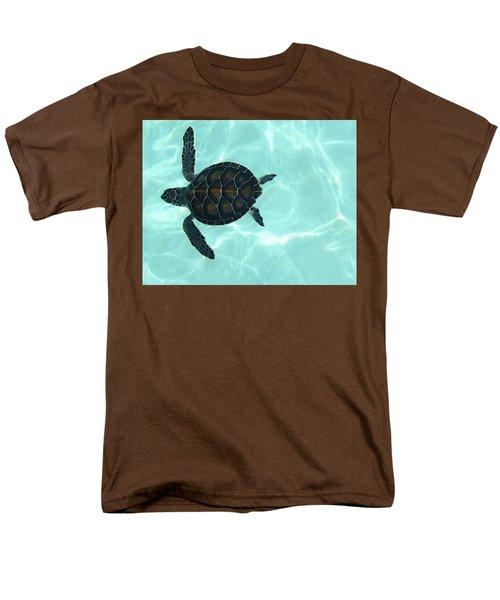 Baby Sea Turtle Men's T-Shirt  (Regular Fit)