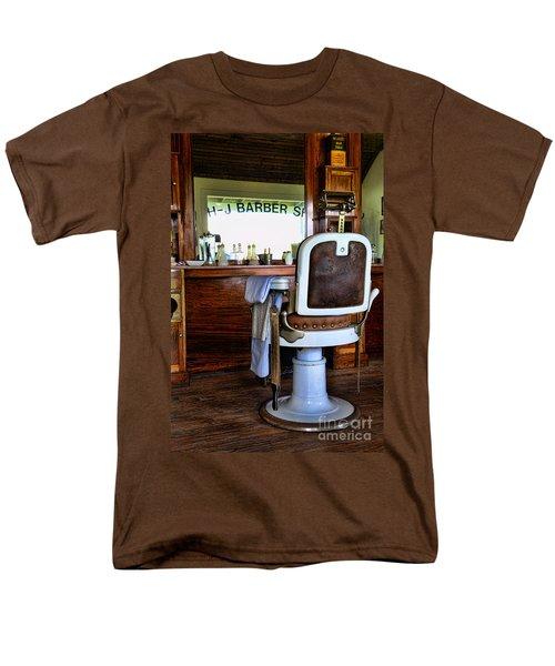 Barber - The Barber Shop Men's T-Shirt  (Regular Fit) by Paul Ward