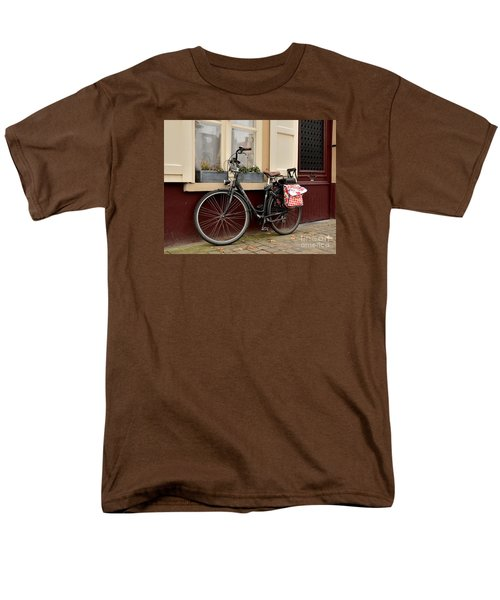 Bicycle With Baby Seat At Doorway Bruges Belgium Men's T-Shirt  (Regular Fit) by Imran Ahmed