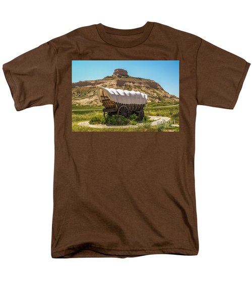 Covered Wagon At Scotts Bluff National Monument Men's T-Shirt  (Regular Fit) by Sue Smith