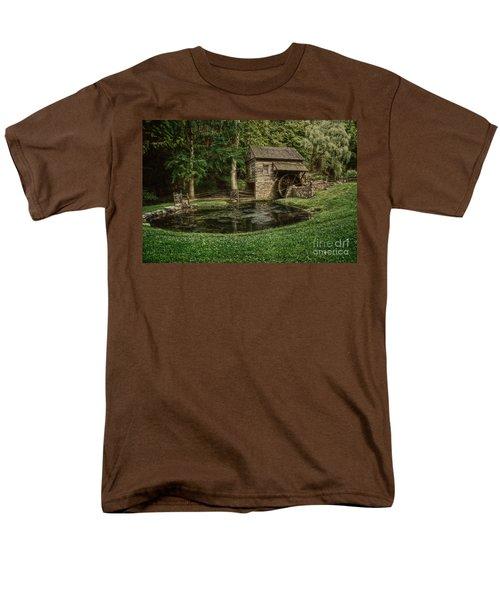 Cuttalossa Farm In Summer I Men's T-Shirt  (Regular Fit) by Debra Fedchin