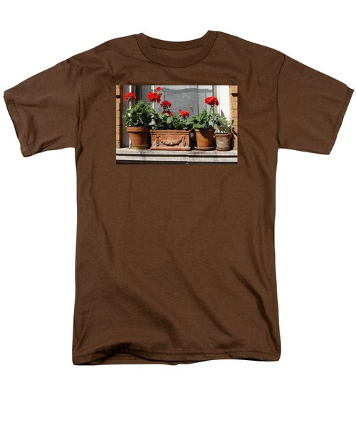 Men's T-Shirt  (Regular Fit) featuring the photograph Flowers Of New York by Ira Shander