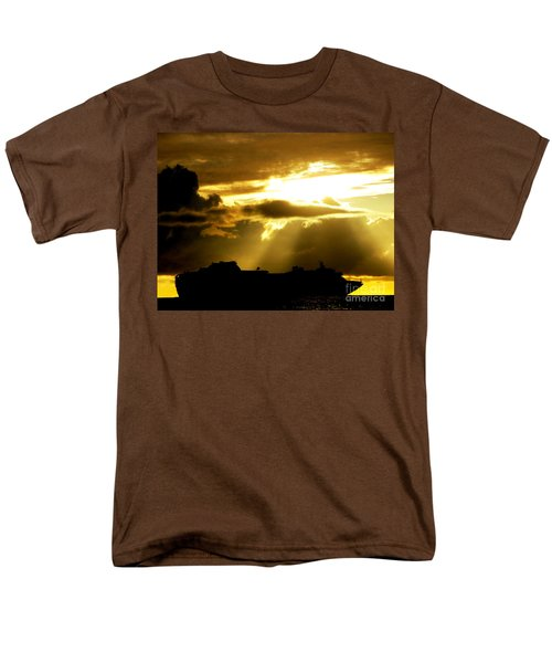 Men's T-Shirt  (Regular Fit) featuring the photograph Leaving Kona by David Lawson