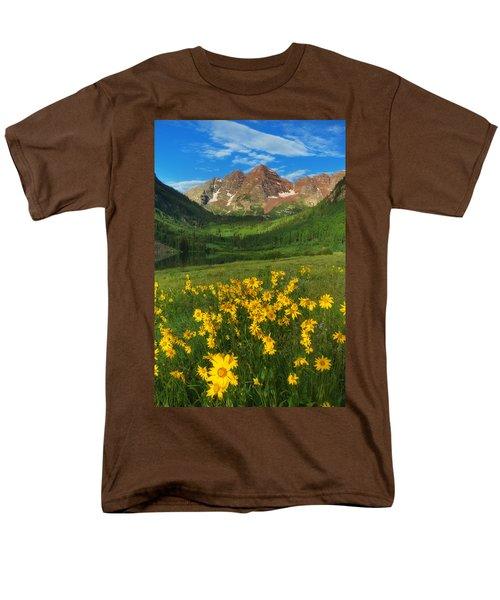 Maroon Summer Men's T-Shirt  (Regular Fit) by Darren  White