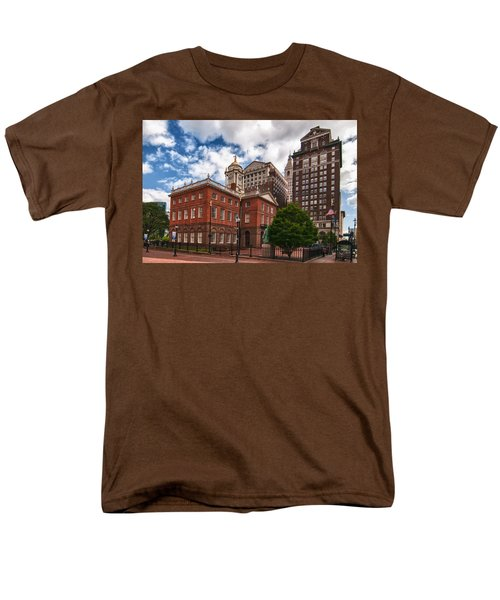 Old State House Men's T-Shirt  (Regular Fit) by Guy Whiteley