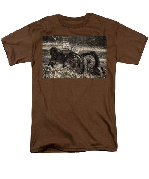Men's T-Shirt  (Regular Fit) featuring the photograph Old Tractor by Lynn Geoffroy