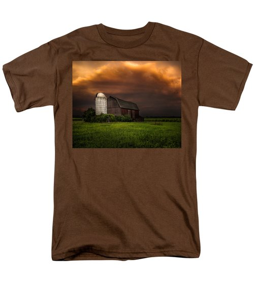 Red Barn Stormy Sky - Rustic Dreams Men's T-Shirt  (Regular Fit) by Gary Heller