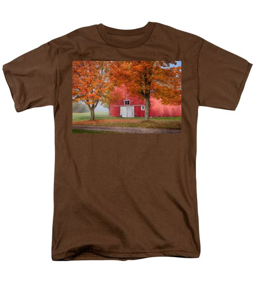 Red Barn With White Barn Door Men's T-Shirt  (Regular Fit) by Jeff Folger