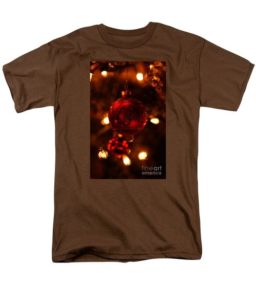 Men's T-Shirt  (Regular Fit) featuring the photograph Shimmering Reflection by Linda Shafer