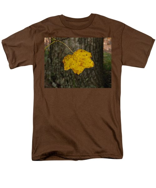 Men's T-Shirt  (Regular Fit) featuring the photograph Single Poplar Leaf by Nick Kirby