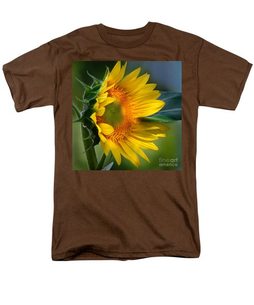 Summer Bonnet Men's T-Shirt  (Regular Fit) by Nava Thompson
