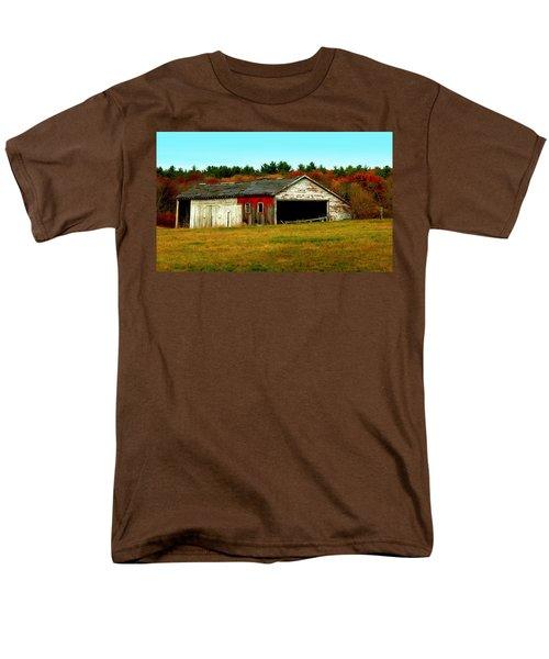 The Old Barn Men's T-Shirt  (Regular Fit) by Bruce Carpenter