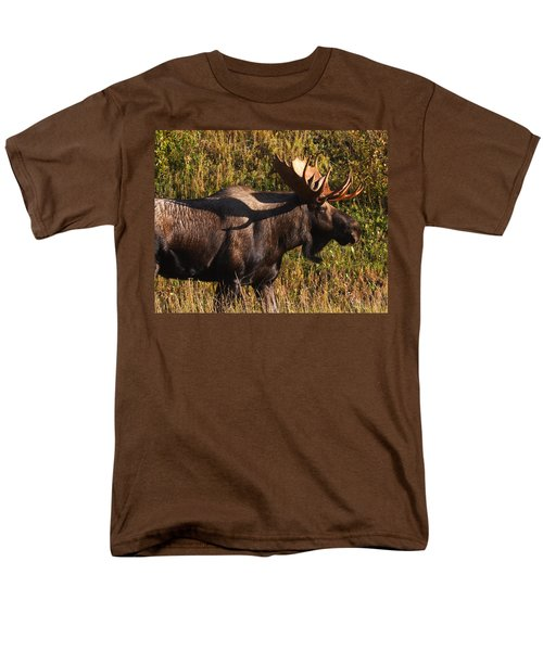 Men's T-Shirt  (Regular Fit) featuring the photograph Big Bull by Doug Lloyd