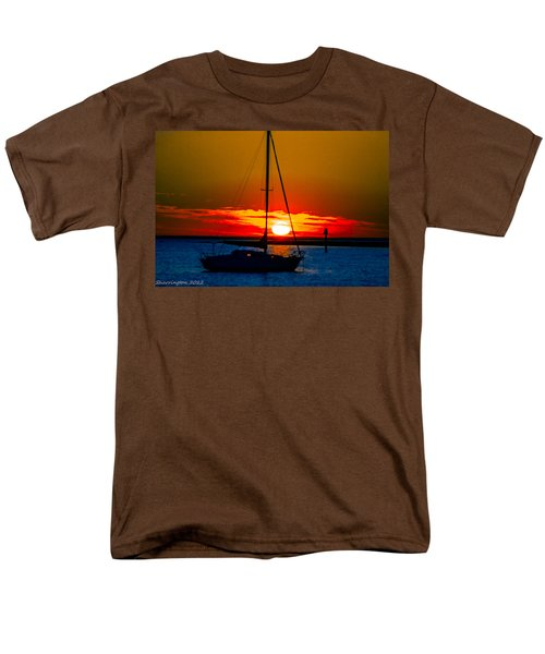 Men's T-Shirt  (Regular Fit) featuring the photograph Good Night by Shannon Harrington