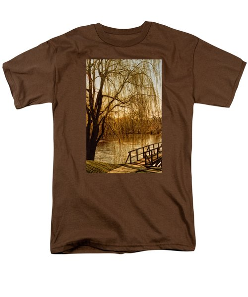 Weeping Willow And Bridge Men's T-Shirt  (Regular Fit) by Barbara Middleton