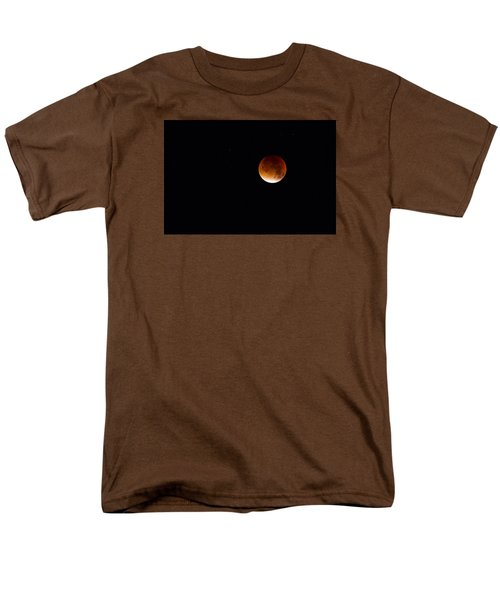 Blood Moon Super Moon 2015 Men's T-Shirt  (Regular Fit) by Clare Bambers
